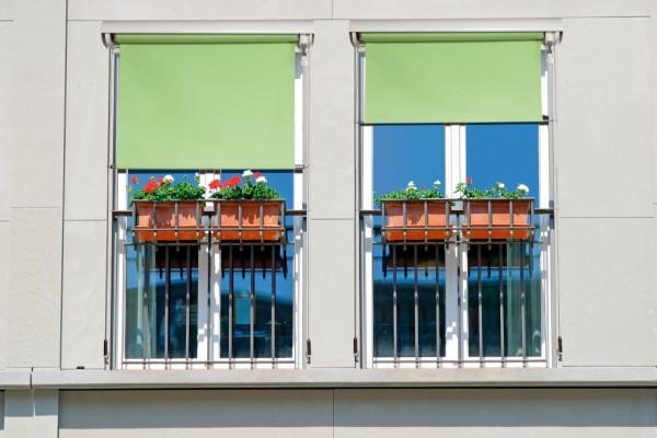 Fassadenmarkise 300 x 200 cm Breite x Ausfahrlänge 3 x 2 m Vertikalmarkise mit Kasten